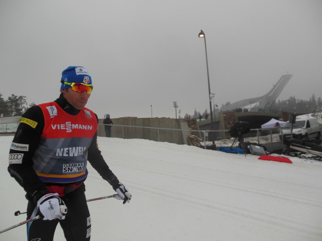 Andrew Newell Skiing on cloudy Holmenkollen Day